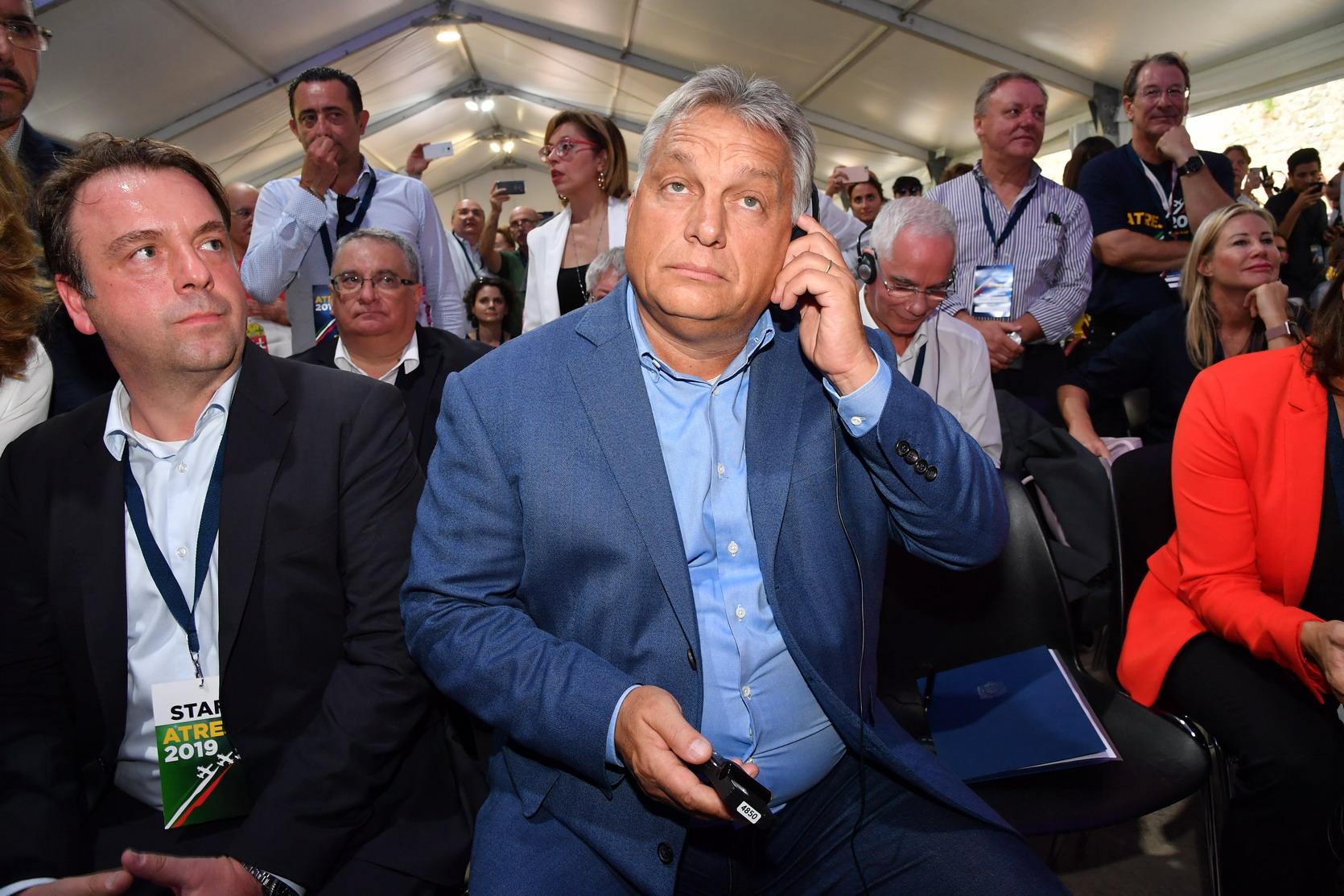 Orbán all'attacco. Ma dei sovranisti italiani