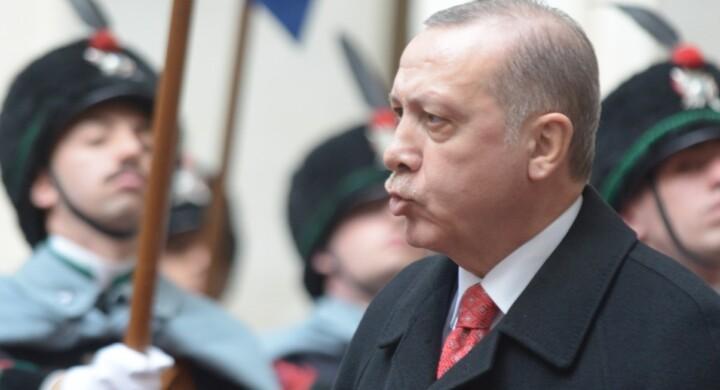 Non solo il tracollo della lira. Le pene di Erdogan tra Usa e Nato secondo Mauro