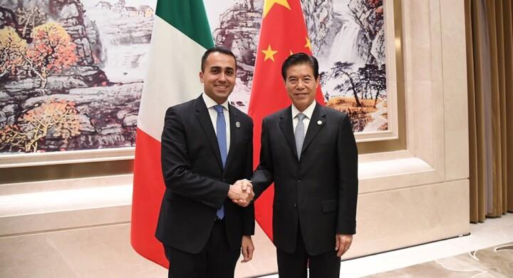 La Cina minaccia il Parlamento italiano. Cosa farà il governo?
