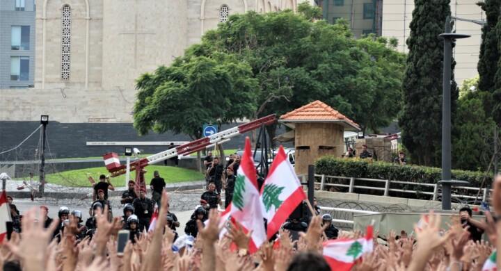 Il nuovo governo libanese per un Paese in coma da un anno