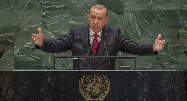 Ambizioni turche, navi francesi e diplomazia tedesca. Il Clud Med secondo Camporini
