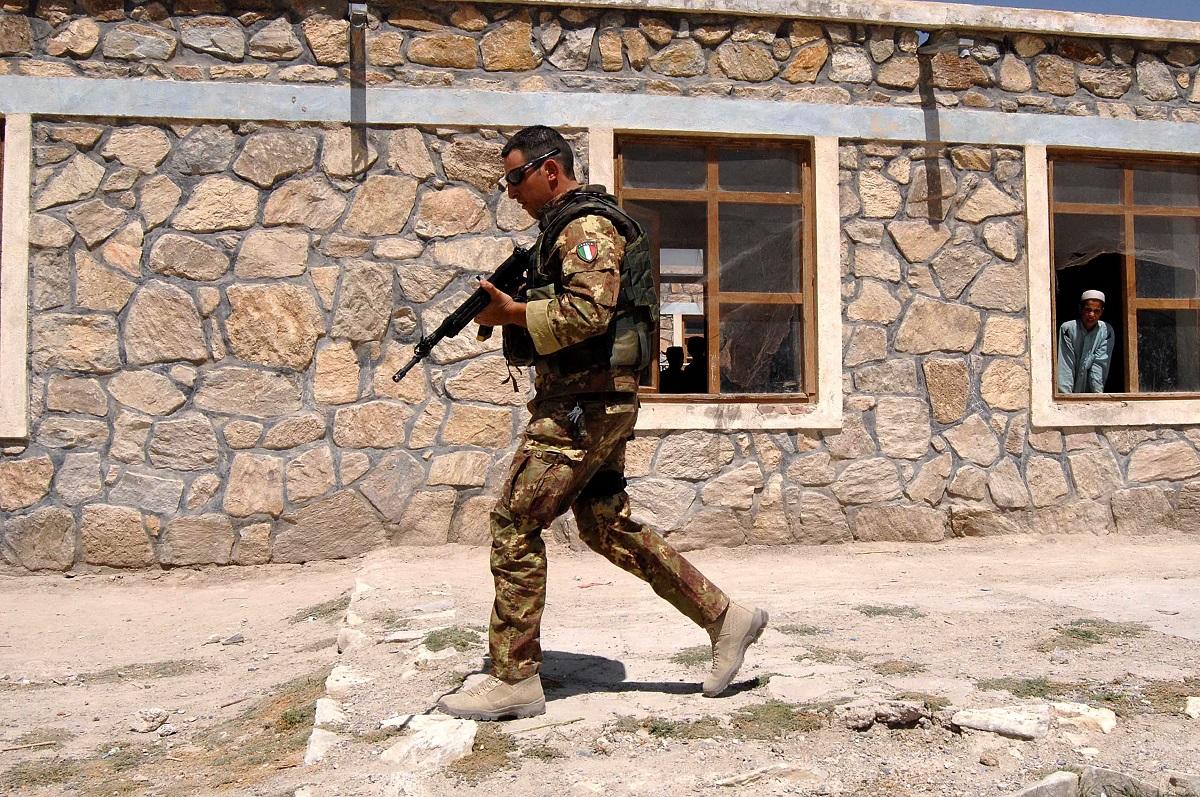 L'Italia resta in Afghanistan. La linea della Difesa (e della Nato)