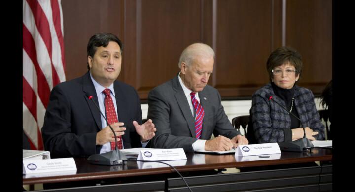 Ecco perché Biden chiama Ron Klain alla Casa Bianca