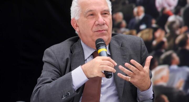 Vi racconto Carlo Casini, profeta e saggio. Parla Mario Mauro