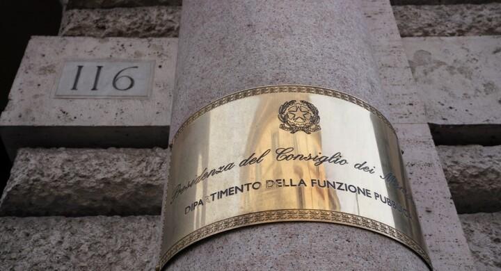 """La Pubblica amministrazione è la più grande impresa italiana. Merita un """"super"""" ministero"""