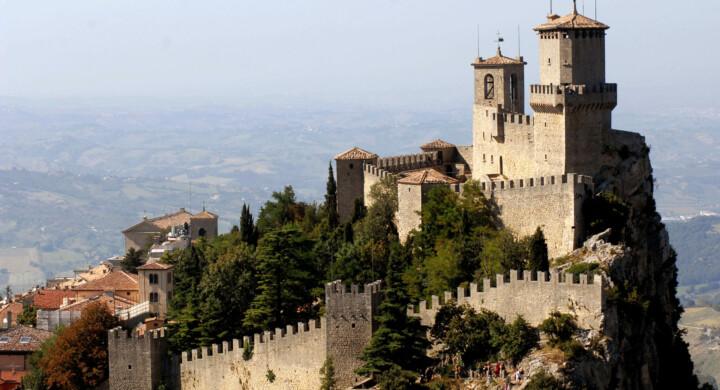 Perché l'Italia deve aiutare San Marino. L'analisi di Pellicciari