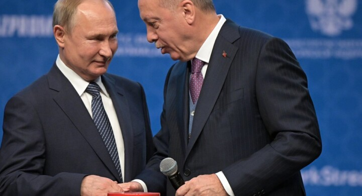 Erdogan-Putin. Ecco la stretta bilaterale sul Nagorno-Karabakh