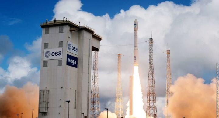 Lanciatori e satelliti. Perché Leonardo aumenta la partecipazione in Avio
