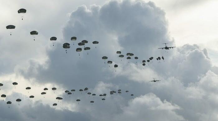 Paracadutisti, portaerei e bombardieri. Così gli Usa controllano il Pacifico