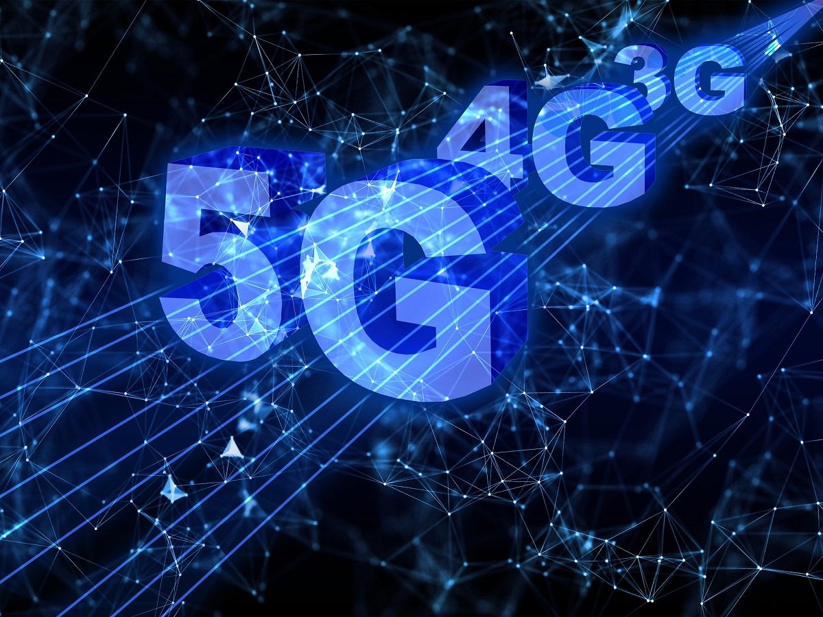 La propaganda sul 5G e l'urgenza che l'Italia scelga da che parte stare
