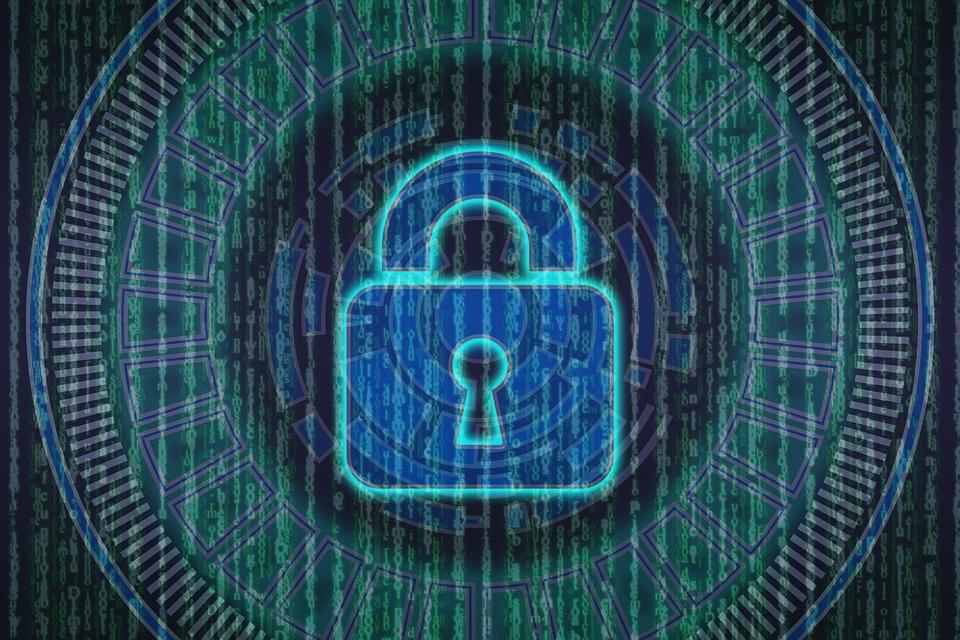 Gli 007 italiani in prima fila per la cybersecurity europea (e Parigi applaude)