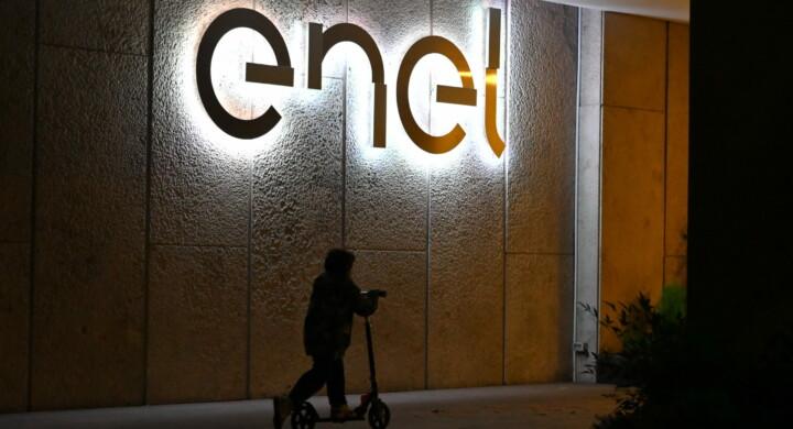 Open Fiber e il ruolo del Mef fra Enel e Tim. Parla Debenedetti