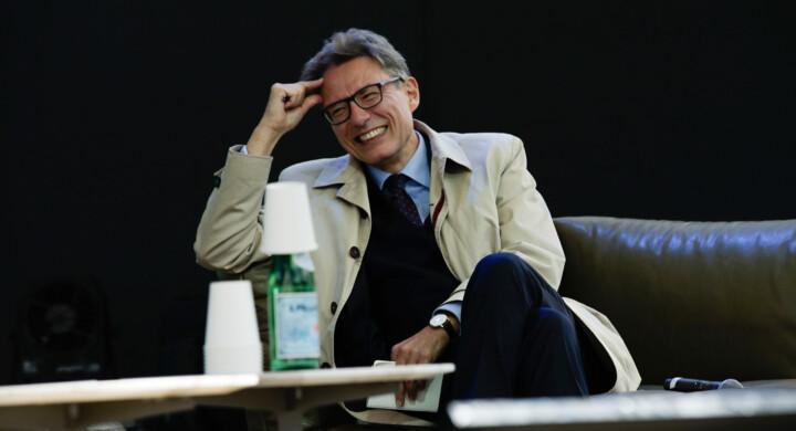 Green pass e hacker, l'Italia onlife di Draghi vista da Floridi