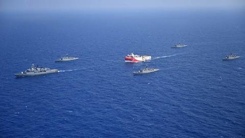 Torna la Oruc Reis nel Mediterraneo. La Turchia accerchiata non molla la presa
