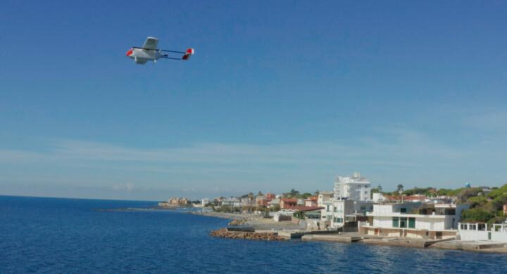 Materiali sanitari in volo su droni. Il test di Leonardo e Ospedale Bambino Gesù