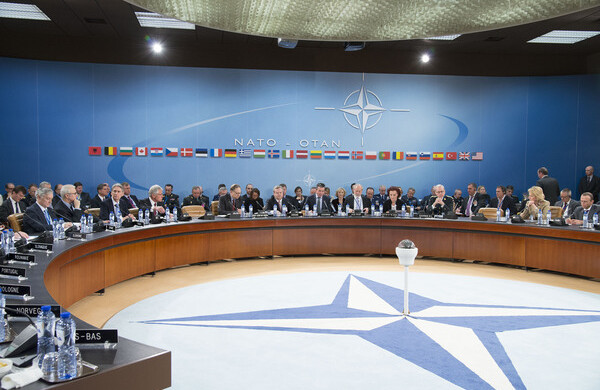 Pandemia, clima e tecnologie. Le sfide per la Nato secondo l'amb. Minuto Rizzo
