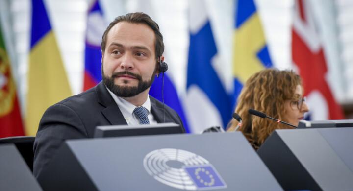 Nagorno-Karabakh, un nuovo momento balcanico per l'Ue. Scrive Castaldo (M5S)
