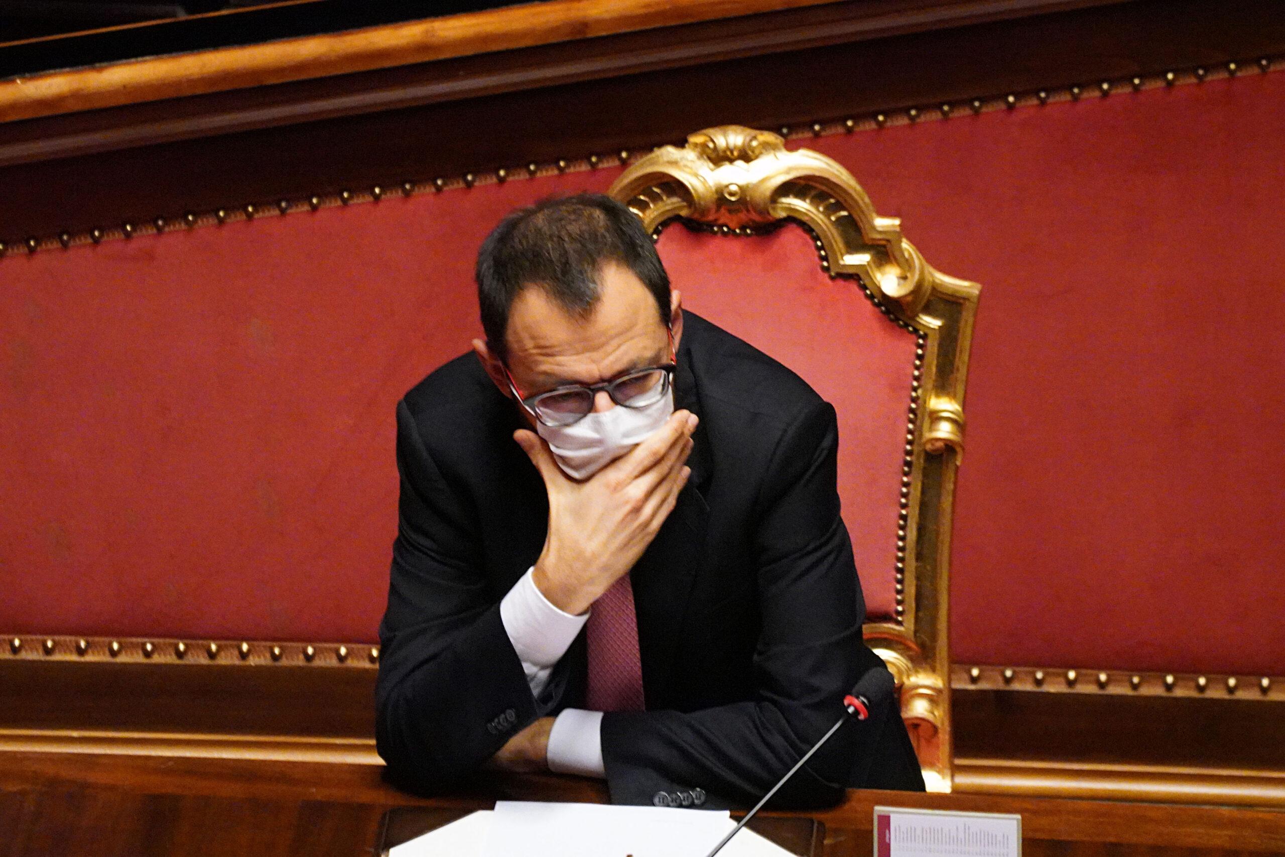 Da Prodi a Crosetto, l'allarme sulla fuga industriale dall'Italia