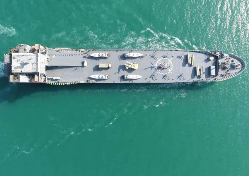 Lo strano caso del cargo italiano trasformato in nave da guerra iraniana