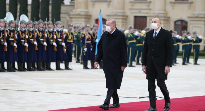 Turchia e Iran litigano per molto più di un poema