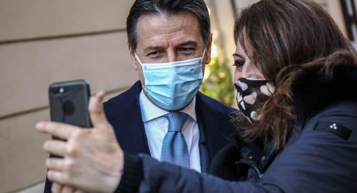 Renzi ha Conte nel mirino. Il resto è contorno