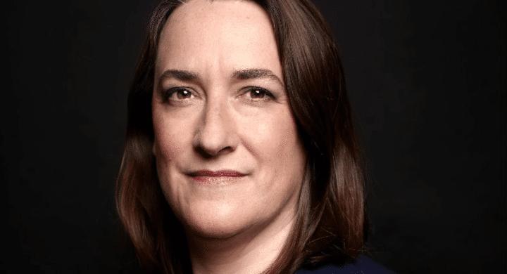 Chi è Delphine d'Amarzit, la prima donna a capo della Borsa di Parigi