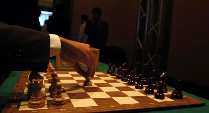 Dal calcio agli scacchi, così cambia il linguaggio della politica