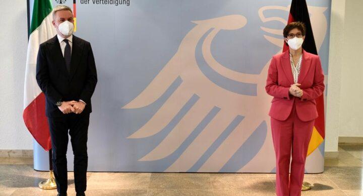 Italia-Germania a Difesa dell'Europa (nella Nato). Il dialogo tra Guerini e Akk