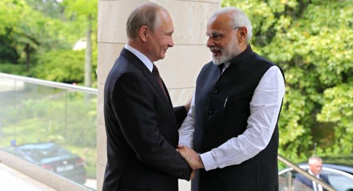 Sputnik V made in Corea, India e Cina. Così si svela la campagna politica russa