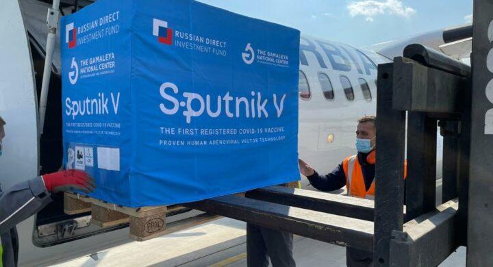 Sputnik e Huawei, tra bufale e minacce. L'allarme degli 007 Usa