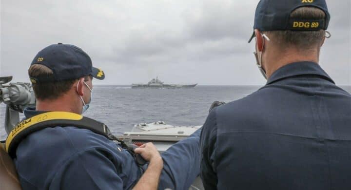 La portaerei cinese non ci fa paura. La foto della US Navy