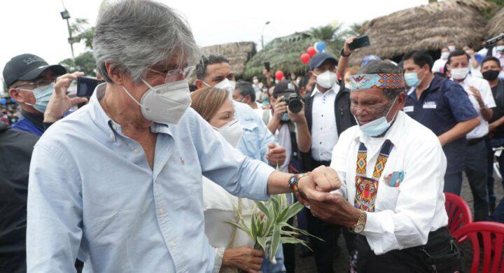 L'Ecuador con due piedi in una scarpa? Le sirene di Russia e Cina