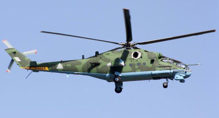 Un elicottero militare (di produzione russa?) abbattuto. Cresce lo scontro in Myanmar