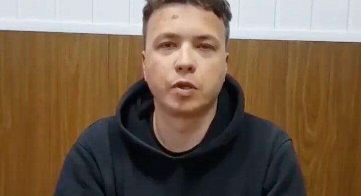 Chi è Roman Protasevich, il giornalista arrestato dopo il dirottamento a Minsk