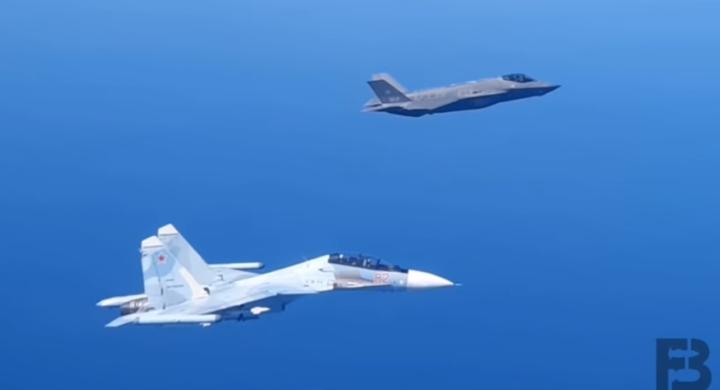 Cieli baltici affollati. Gli F-35 italiani a confronto con i caccia russi