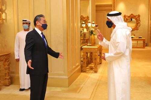 Pechino cerca a Dubai una sponda per conquistare il Golfo. Ma gli Usa…
