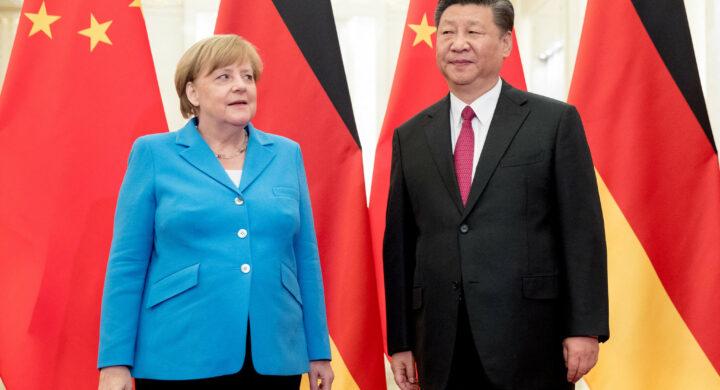 """Merkel? """"Vecchia amica"""" della Cina, dice Xi. La Nato si allontana"""