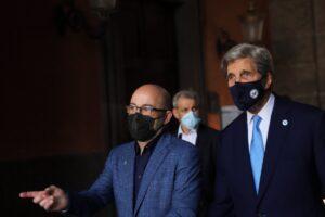 Cingolani accoglie Kerry e Timmermans al G20. Le foto da Napoli