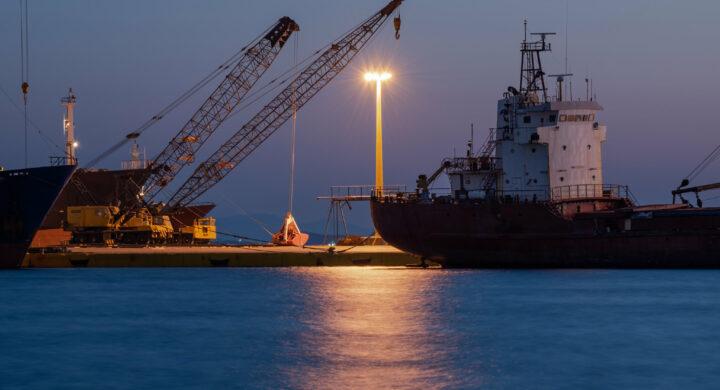 """Gli Usa """"deviano"""" la Via della Seta investendo nei porti greci. Mentre in Italia…"""