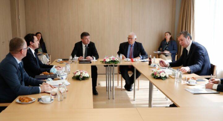 Rapporti tesissimi tra Serbia e Kosovo, la Cina ci mette lo zampino (e il vaccino)