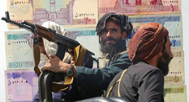Cash e fucili. Chi è Agha, il ministro talebano amico di Al Qaeda