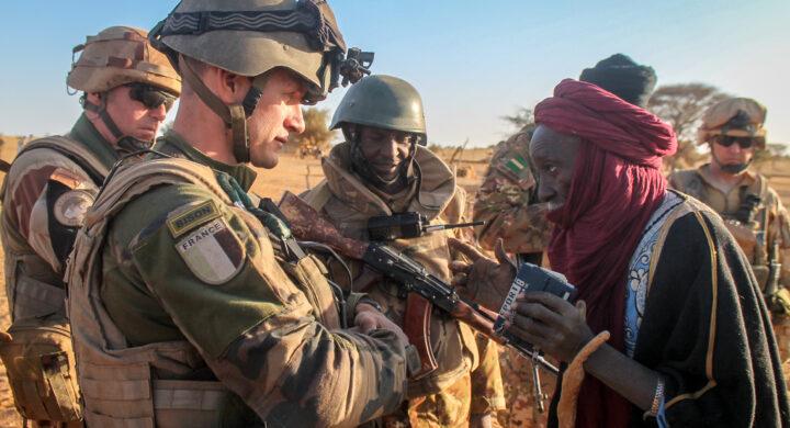 Macron annuncia la morte del leader Is del Mali. Perché tanto clamore?