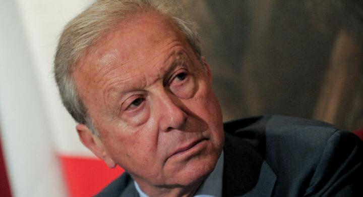 Moro vinse il duello sul centro-sinistra ma il golpe fu una fake news. Parla Mario Segni