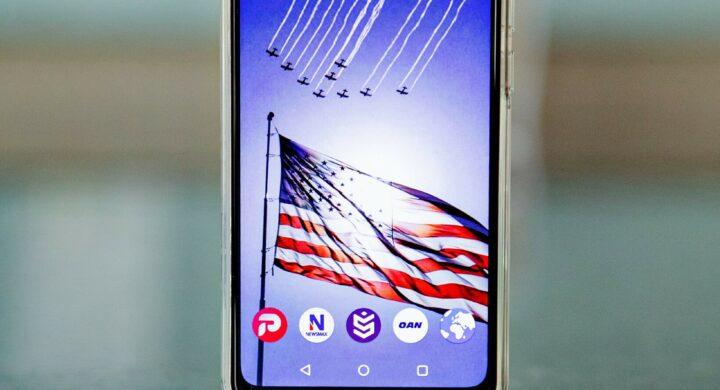 """Freedom Phone, il telefono """"libero"""" dalla censura. Per modo di dire"""