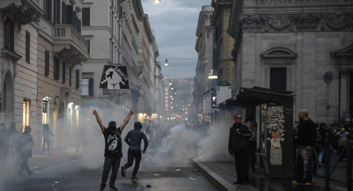 I no Green Pass non sono una nuova marcia su Roma, ma…